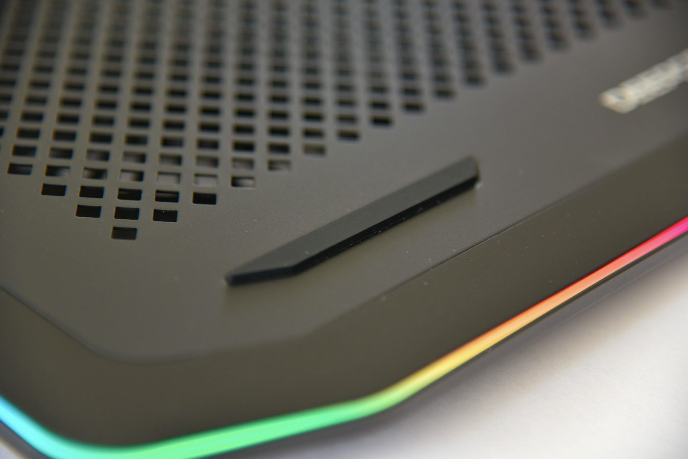 بررسی کولر نوت بوک N80 RGB شرکت DeepCool