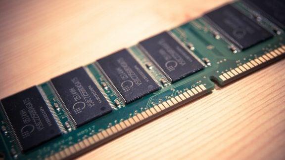 تولید انبوه تراشههای رم DDR5
