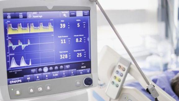تولید دستگاه تنفس مصنوعی توسط جنرالموتورز