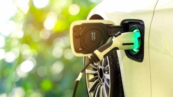 تولید CO2 کمتر خودروهای الکتریکی