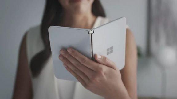 گوشی هوشمند دو نمایشگر Surface Duo مایکروسافت