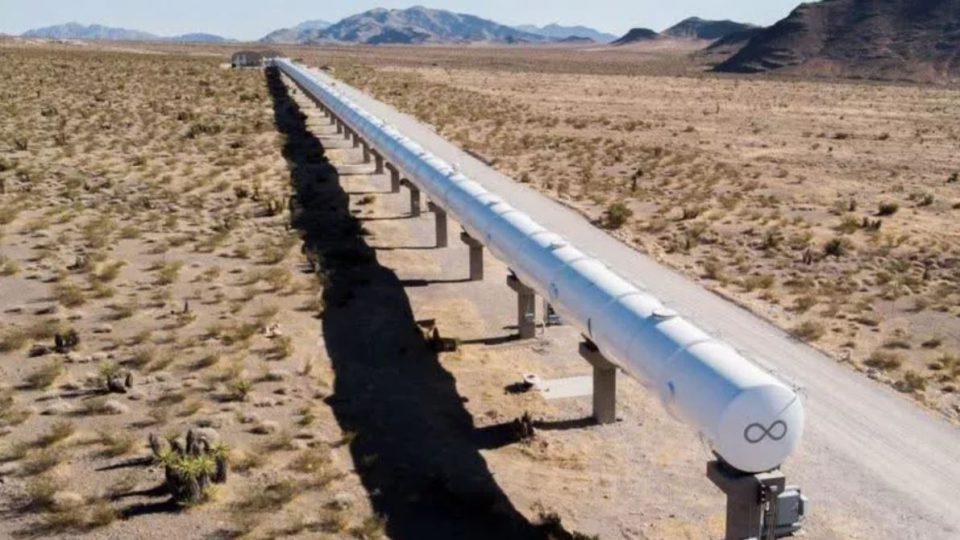 اولین آزمایش Hyperloop با دو مسافر انجام شد