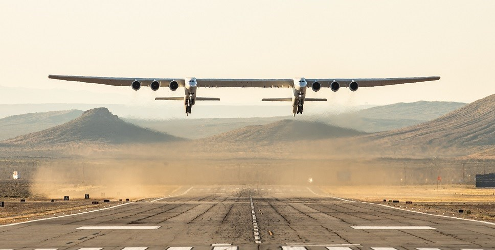 پرواز بزرگترین هواپیمای جهان موفقیتآمیز بود 03