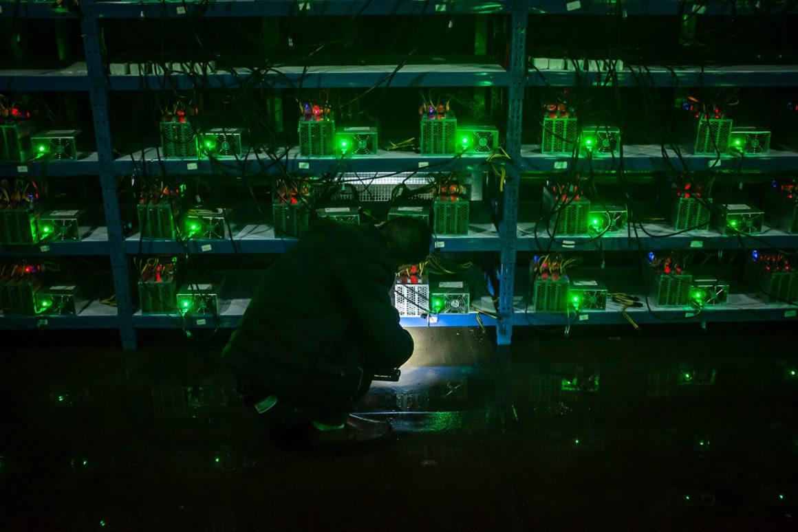 انتقال 1 میلیون ماینر ارز دیجیتال از چین به کانادا ۱